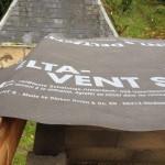 installer-ecran-sous-toiture-par-pluie-4