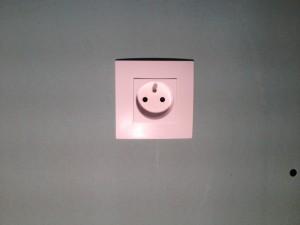 installer-poser-prise-de-courant-electrique-13