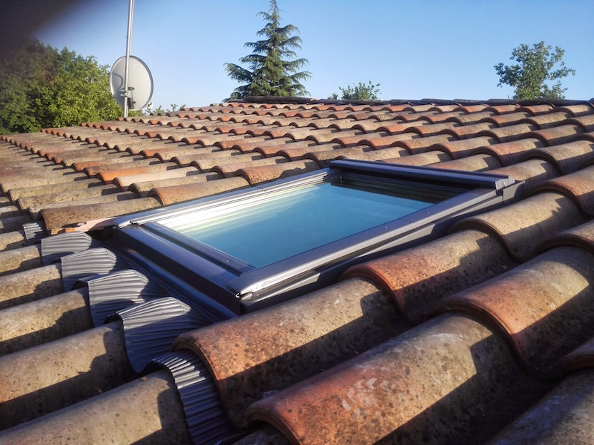 Installer une fen tre de toit velux for Installation fenetre