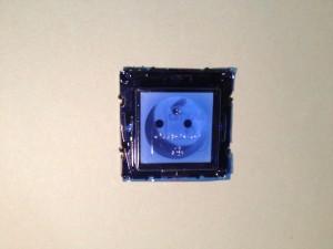 installer-poser-prise-de-courant-electrique-14
